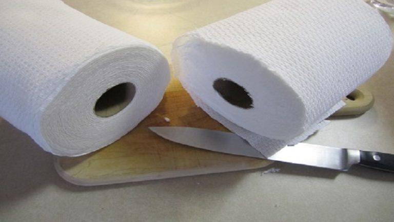 How To Cut A Roll Of Paper Towels In Half - 2 Easy And Effective Ways