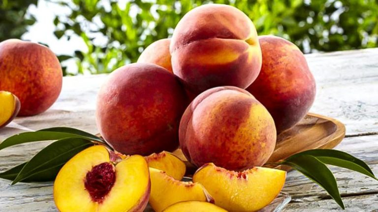 How Many Peaches Are In A Pound?